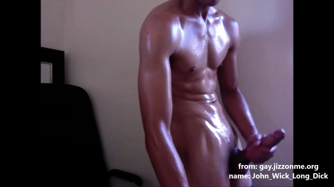 John_Wick_Long_Dick oiled musculed guy jerks off his big sweet cock