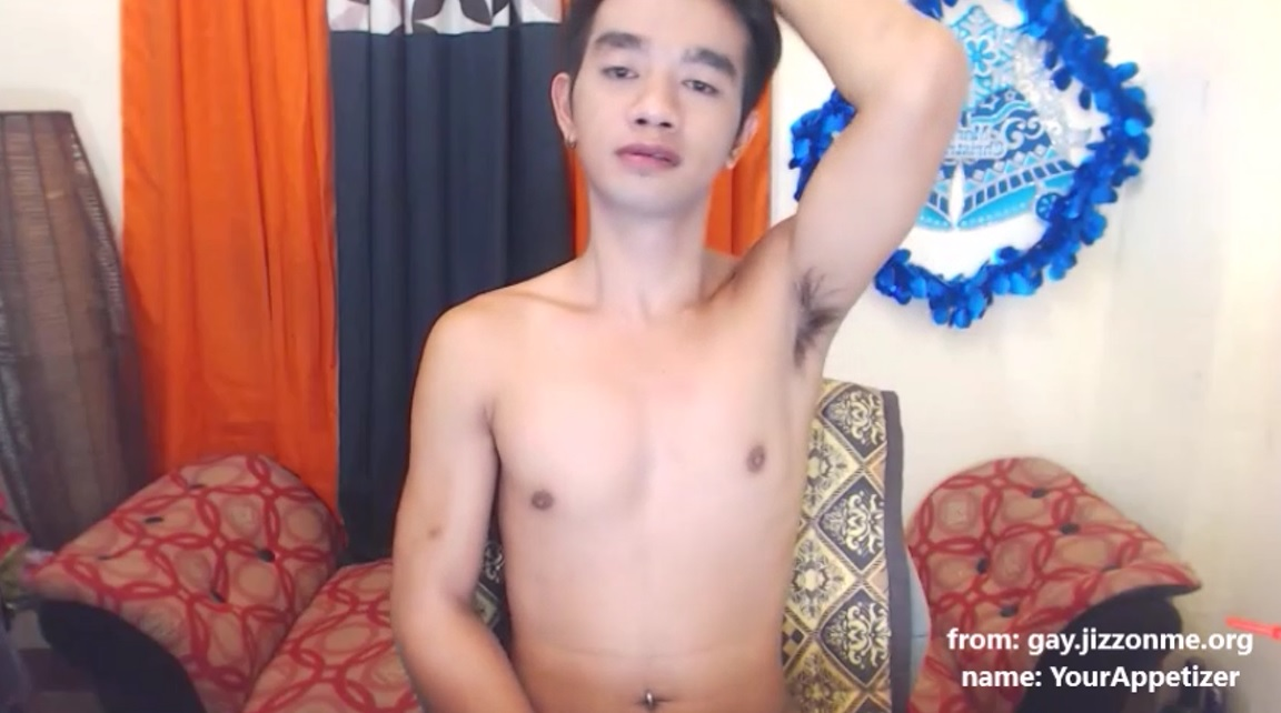 Cute live cam boy YourAppetizer jerks in front of the webcam